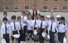 Year 3 Learn About King Henry VIII at Hampton Court Palace