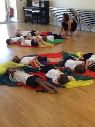 Kindergarten enjoy Yoga